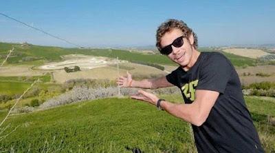 rossi-menunjukan-track-balap-pribadinya.jpg