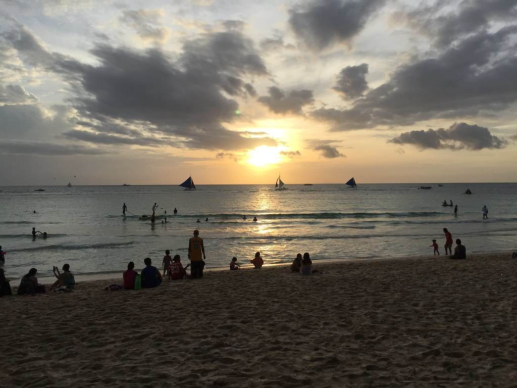 Waiting for sunset at Boracay