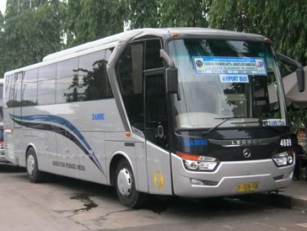 Jadwal dan Tarif Bus Damri ke Bandara Soekarno Hatta