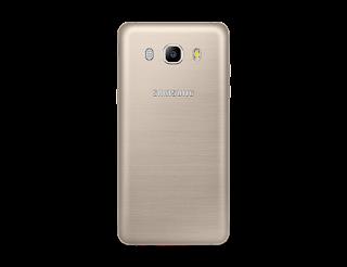 Bagian belakang Samsung Galaxy J5 2016