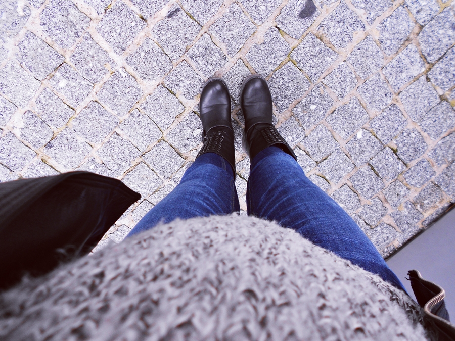 outfit | people don't notice whether it's winter or summer when they're happy