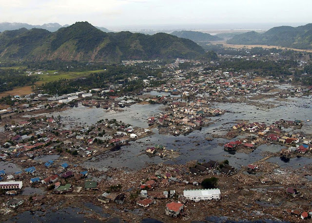 Kerusakan akibat tsunami di Banda Aceh