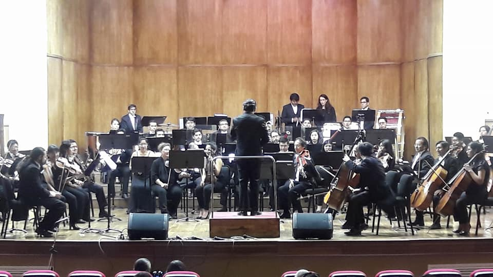 Los cuatro solistas bolivianos son soprano, tenor, mezzosoprano y barítono