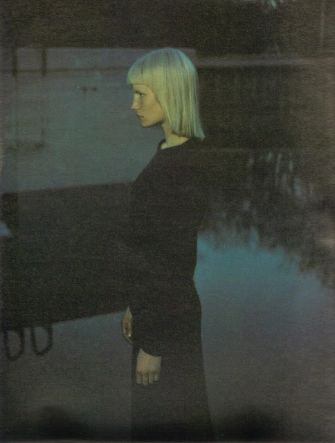 Kirsten Owen in 'Suburban Outfitters'. Photographed by Mario Sorrenti for W, July 1998. Darkwave, dark, gothic, 90's photogtaphy, pool, blonde hair, sci-fi bangs, wiccian, witch