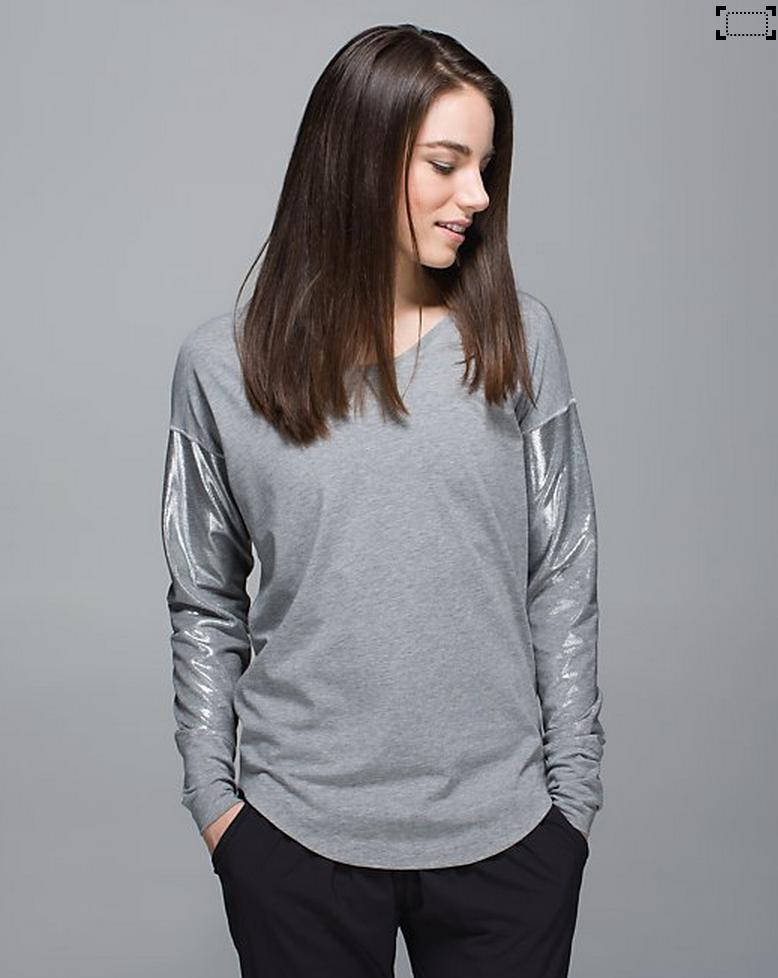 http://www.anrdoezrs.net/links/7680158/type/dlg/http://shop.lululemon.com/products/clothes-accessories/tops-long-sleeve/Weekend-Long-Sleeve?cc=12321&skuId=3602102&catId=tops-long-sleeve