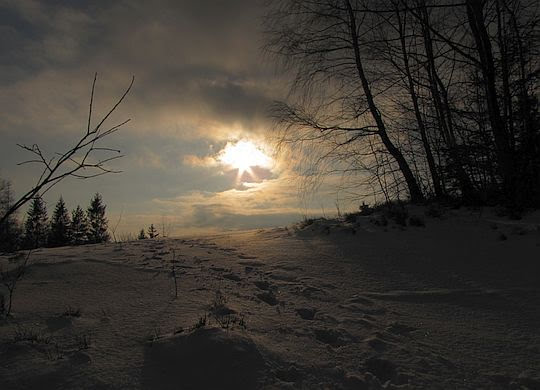 Słońce schodzi już co raz niżej.