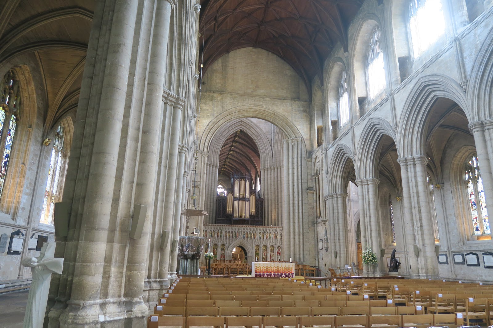 033+Interior+of+ripon+Cathedral.JPG