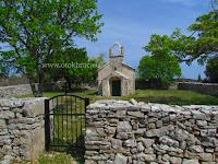 Crkva sv. Mihovil, Gornji Humac, otok Brač slike