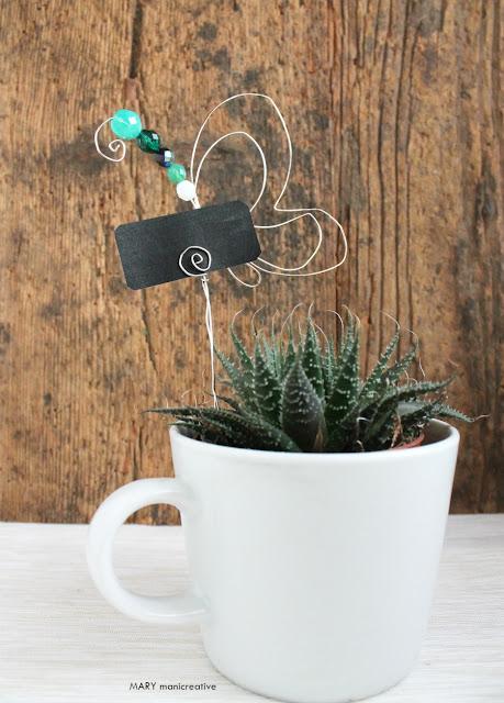 Farfalla segna pianta con fil di ferro e perle DIY