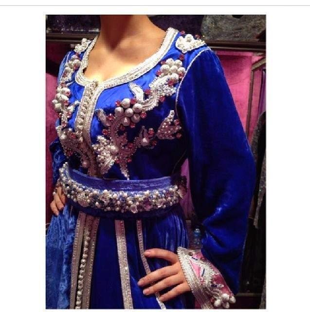 Robes 2015 Caftan Marocain Velours de Luxe - Caftan Marocain ... ec64bd7965c