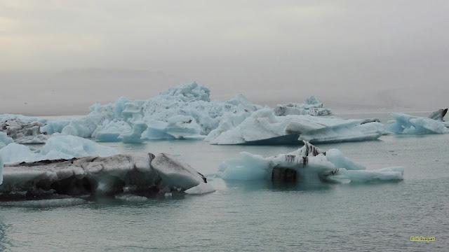 HD wallpaper met stukken ijs in IJsland.