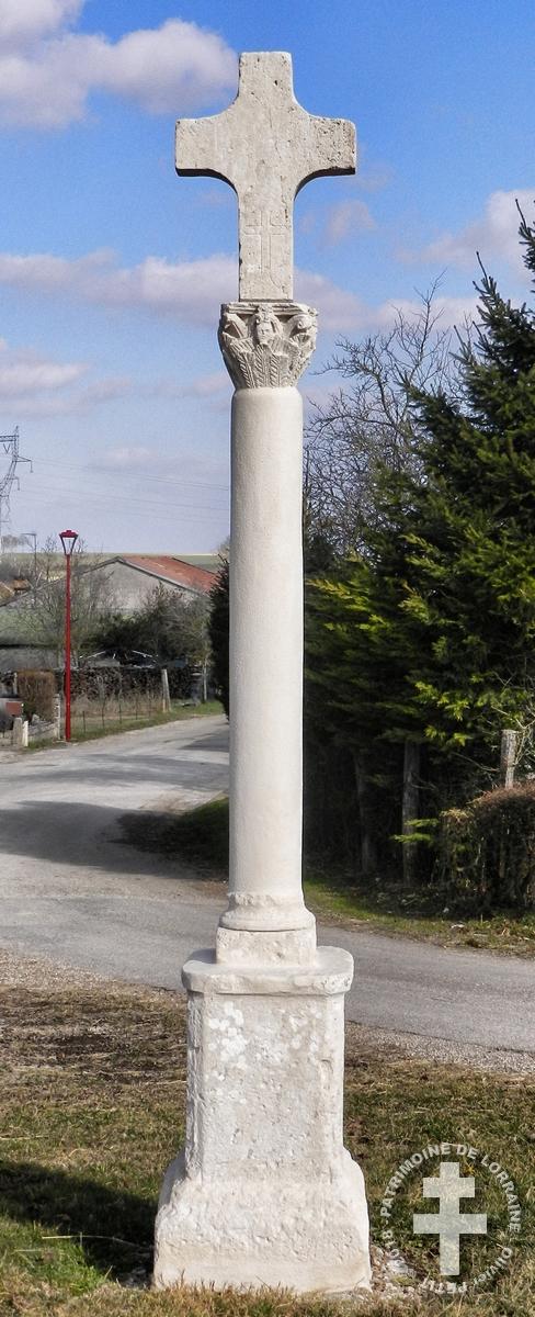 MANDRES-EN-BARROIS (55) - Croix de chemin