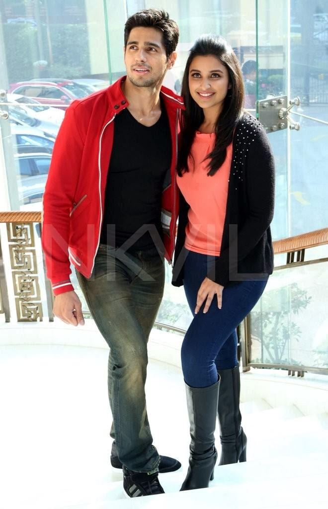 Parineeti and Sidharth promote Hasee Toh Phasee in Delhi