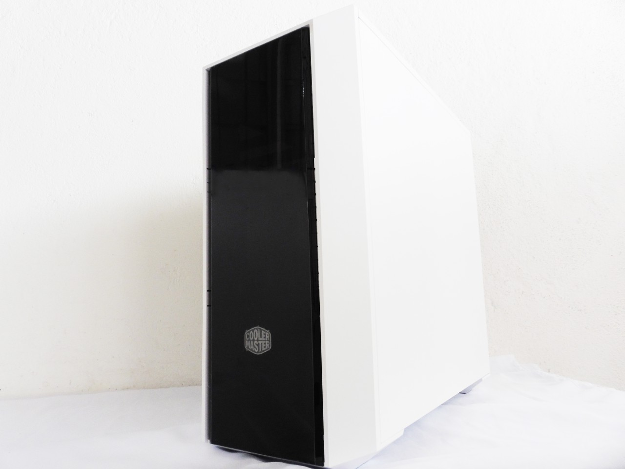 Cooler Master MasterBox 5 Dual Tone Review 5