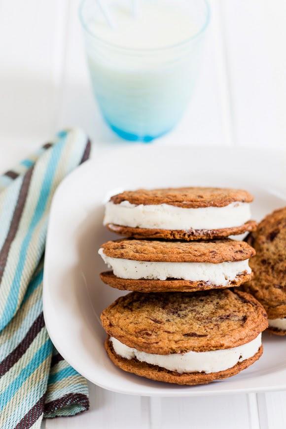Cookie Ice Cream Sandwiches - La Cuisine d'Hélène