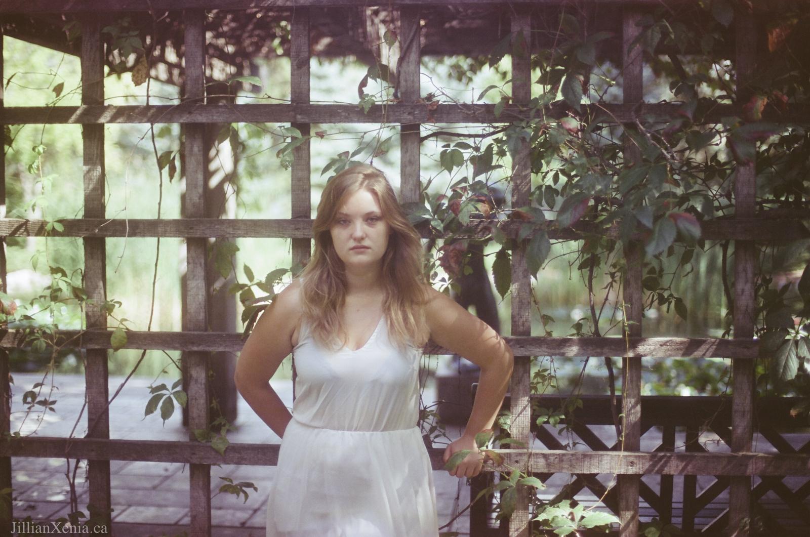 Jillian-Xenia-Cinestill 50-35mm film