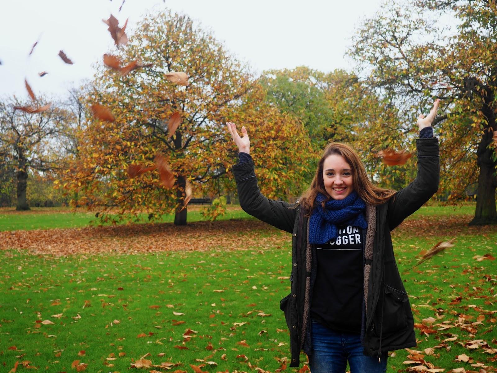 Padající listí v parku Greenwich