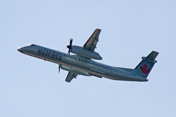 Express Air merupakan salah satu dari daftar maskapai penerbangan yang ada di indonesia
