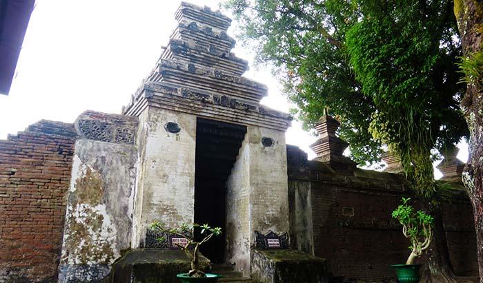 Gerbang Masuk Makam Kotagede