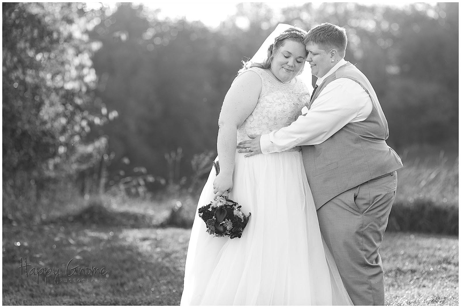 Sure We Have Romance In Wisconsin >> Maggie And Alicia Rustic Manor Delafield Wisconsin Wedding
