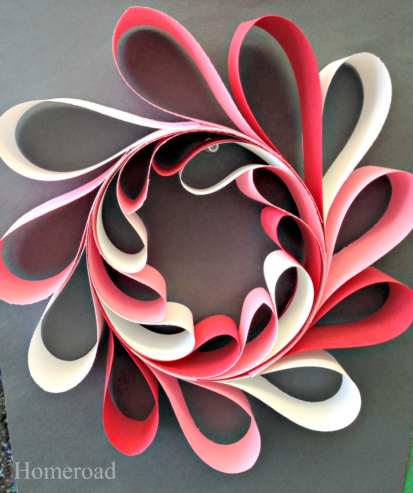 paper heart wreaths www.homeroad.net