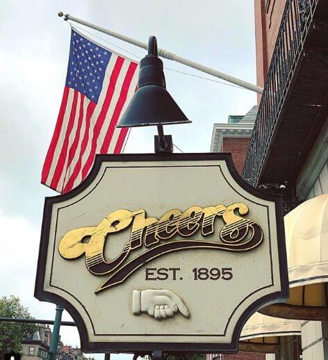 cheers boston trampa turistica
