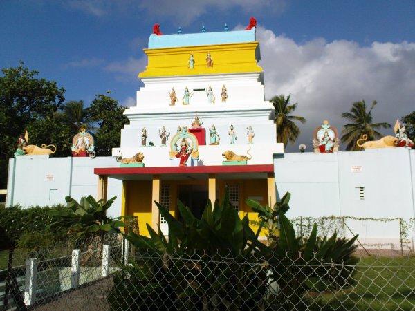 Accueil du temple Hindou à Capesterre