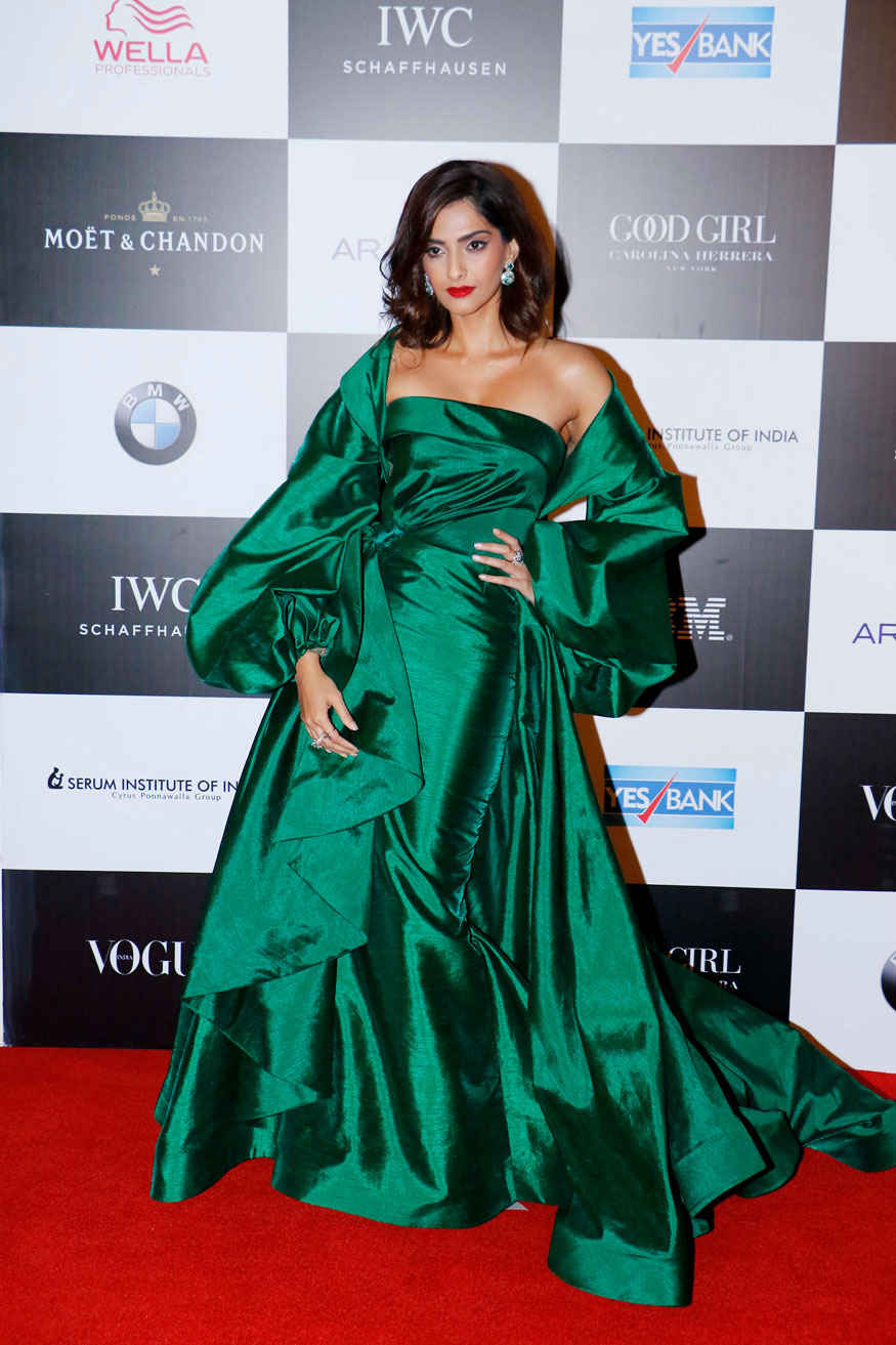 Sonam Kapoor At 'Vogue Women of the Year Awards 2017' at Grand Hyatt Hotel