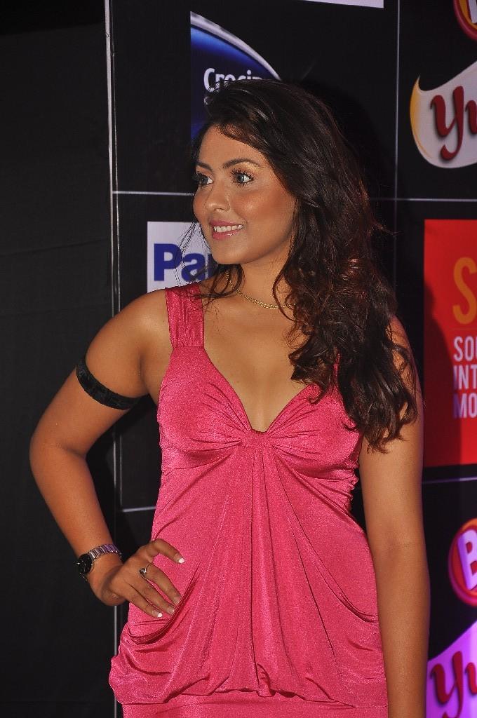 Stylish Madhu shalini photos at siima awards pre party