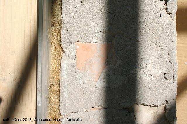 riempimento con fibra di canapa thermo-hanf per controtelaio in legno
