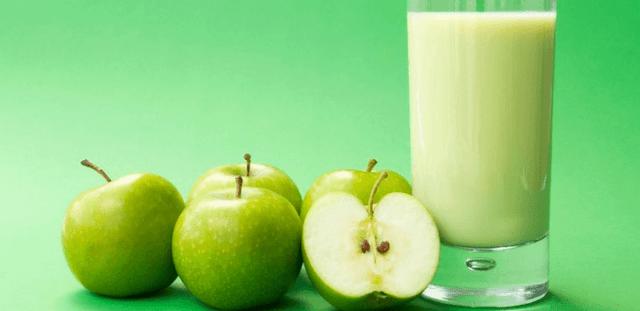 jugo depurativo de manzana