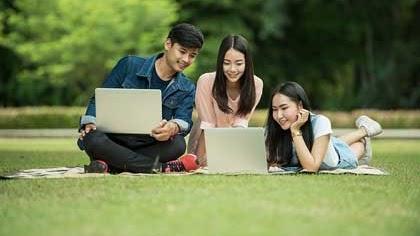 5 Contoh Teks Deskripsi Bahasa Inggris Tentang Teman Sekelas Dan Terjemahannya Contohtext