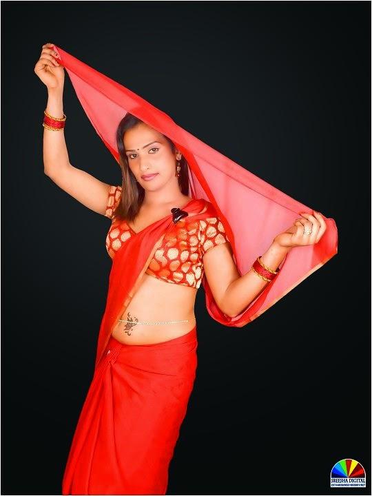saree cross-dress