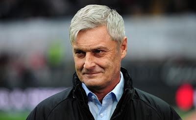 Eintracht Frankfurt Resmi Pecat Armin Veh