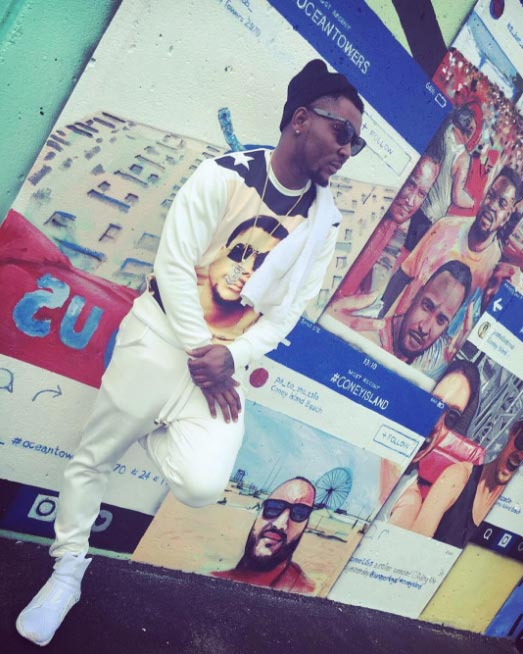 Oritsefemi shows off swagg in new photo