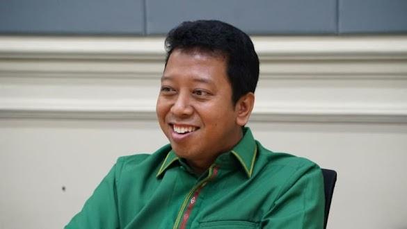 Kata Romy: Pihak yang Nyinyir Jokowi Pakai Stuntman Memang Kepo