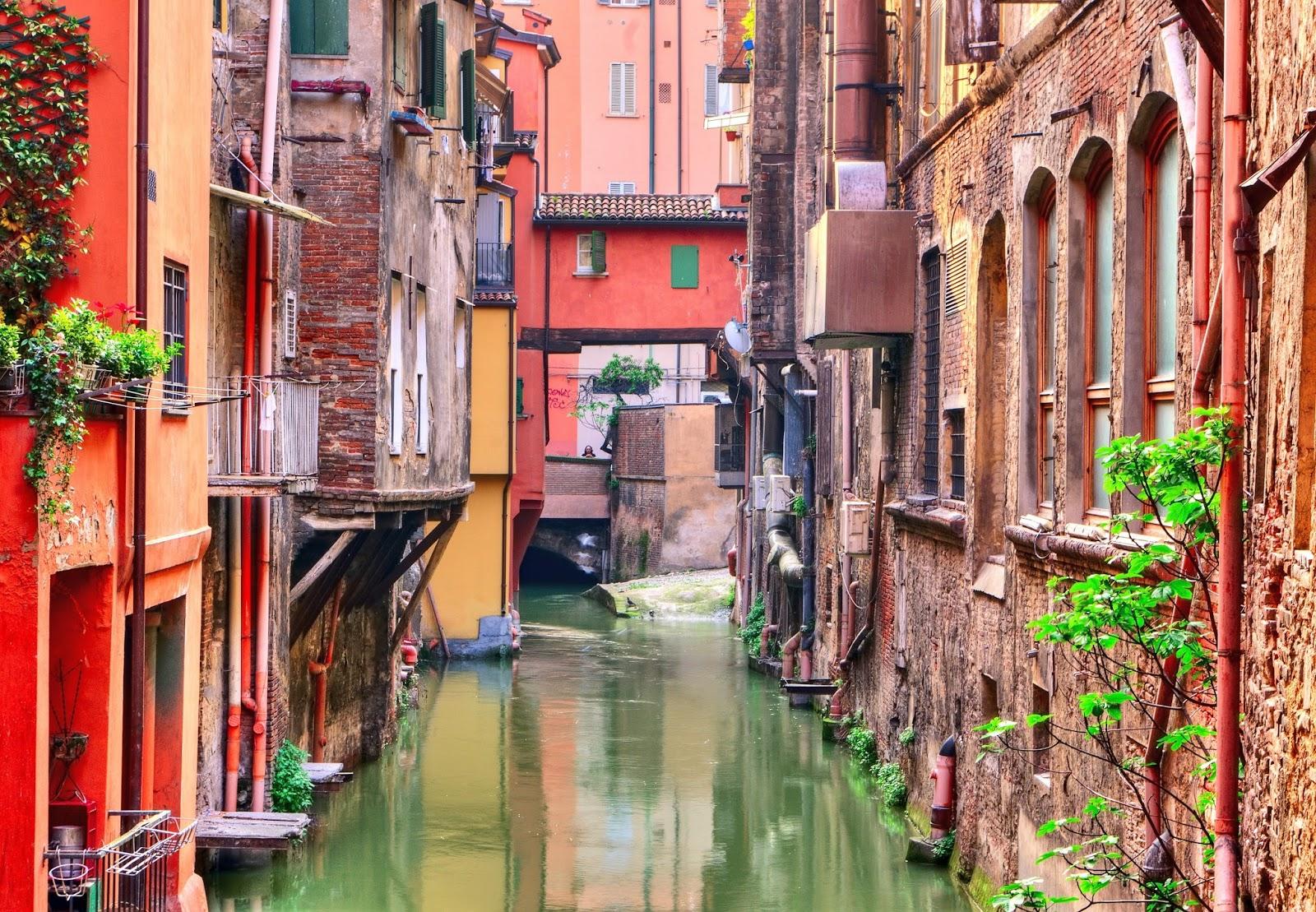 Scaduta san valentino a bologna poracci in viaggio i migliori voli hotel e pacchetti per - Bologna finestra sul canale ...