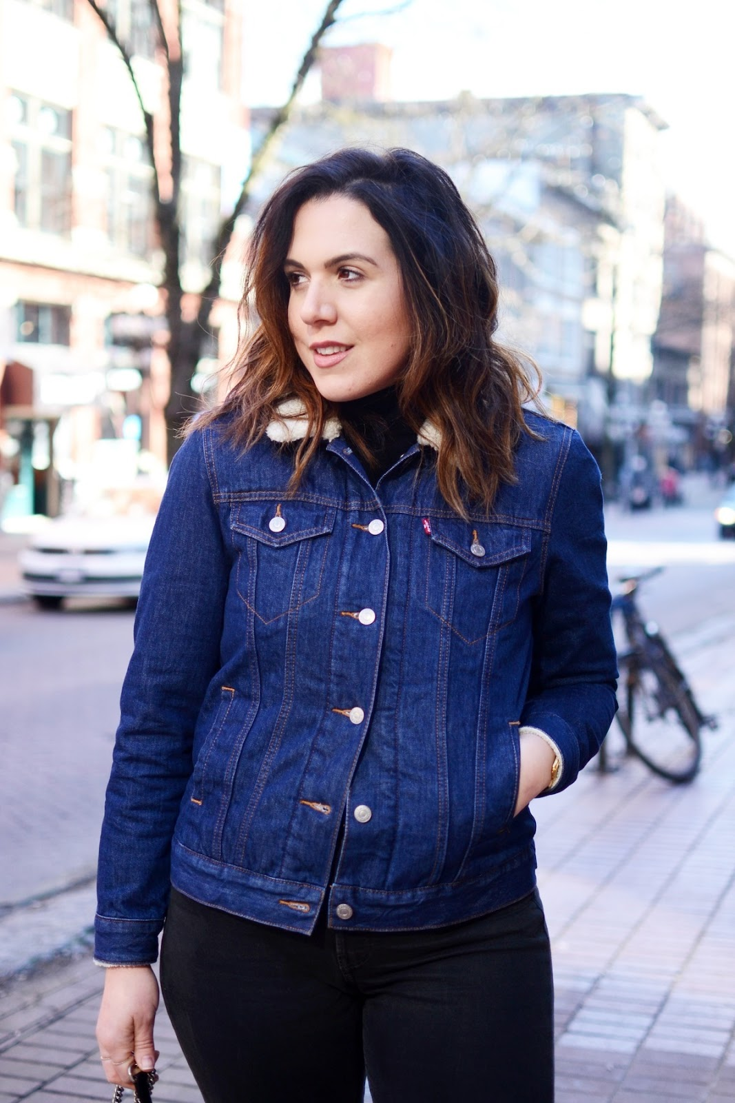 Levi's denim jacket levi's wedgie jeans outfit vancouver fashion blogger