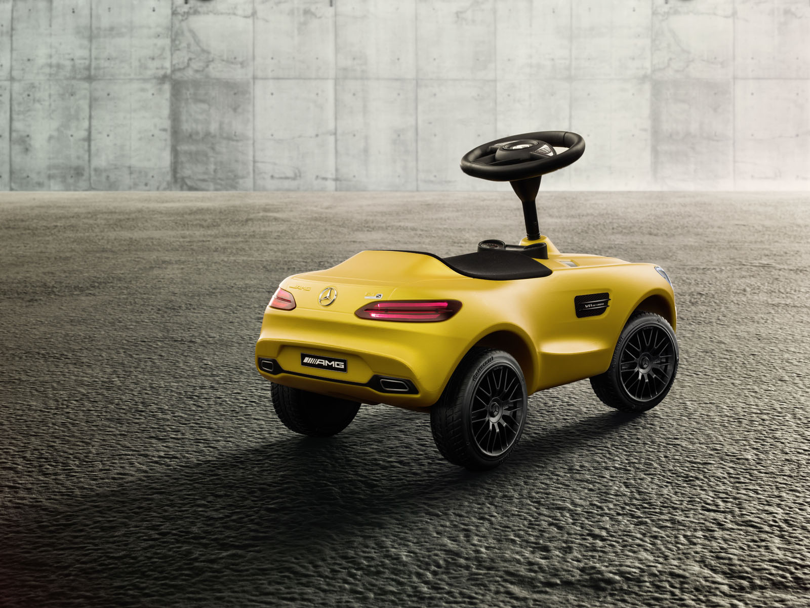 mercedes amg gt shrinks down to kid size as new bobby car. Black Bedroom Furniture Sets. Home Design Ideas