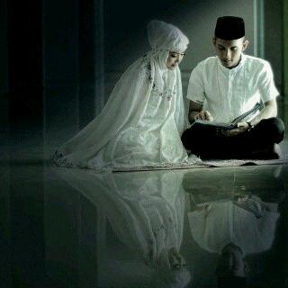Carilah Suami Yang Merubahmu Menjadi Wanita Yang Lebih Solehah