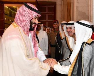 أمير دولة الكويت يلتقي بولي عهد المملكة العربية السعودية