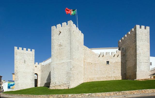 Castelo de Loulé recebe música eletrónica e dança acroyoga