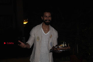 Shahid Kapoor Birthday Celetion Pos  0037.jpg