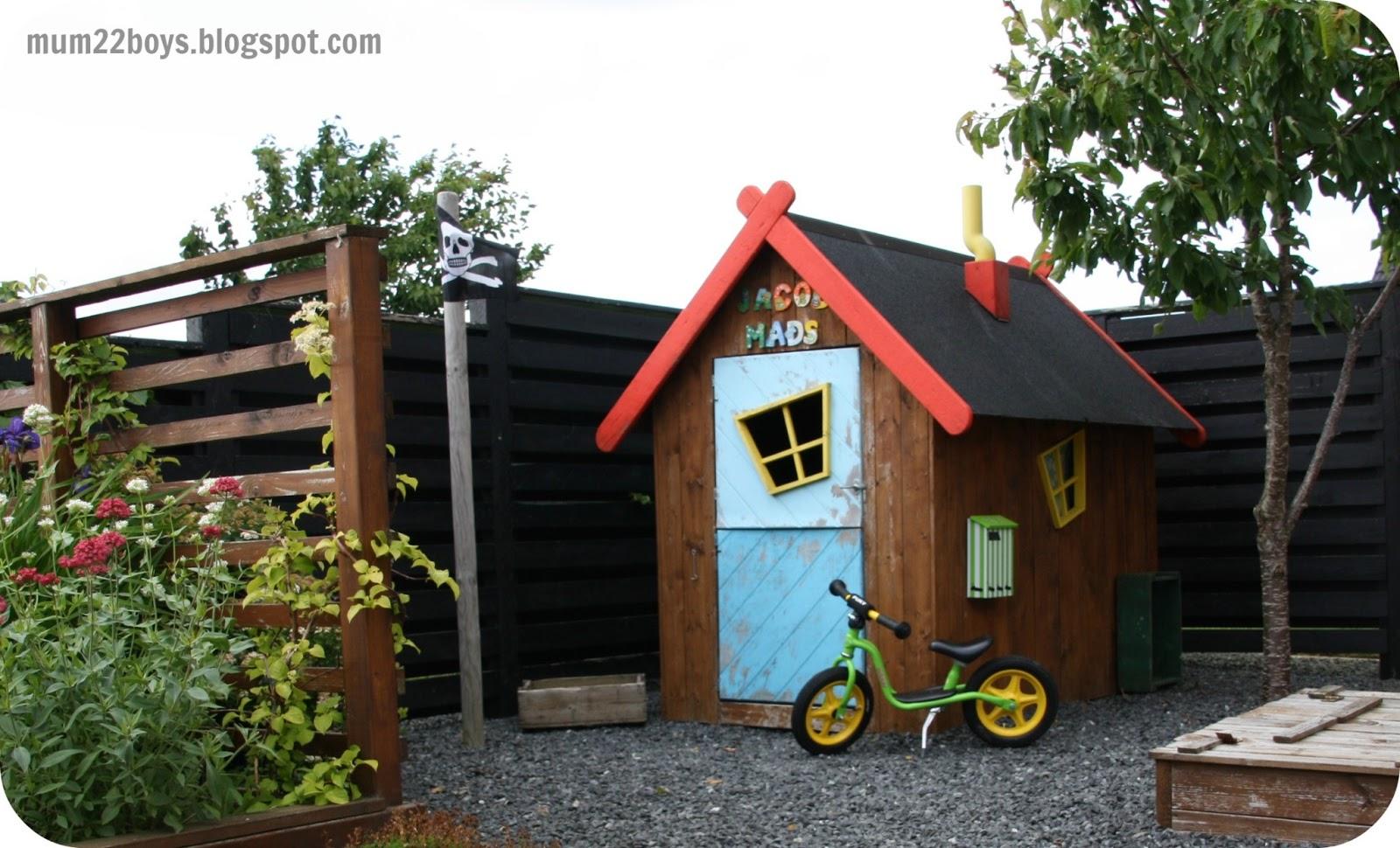 Dejlig Bamse og kylling legehus | Møbler til terrassen og haven BK-08