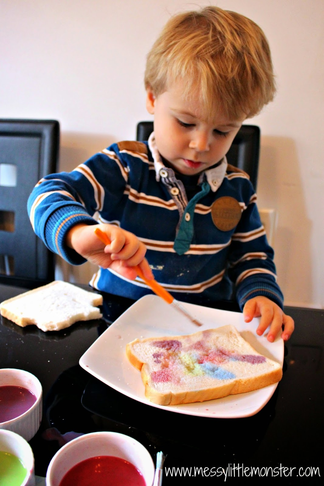 painted firework toast.  a simple painting activity for toddlers, preschoolers, eyfs and older kids.  great for celebrating new year or bonfire night.