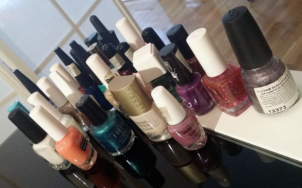 my decluttered nail polishes