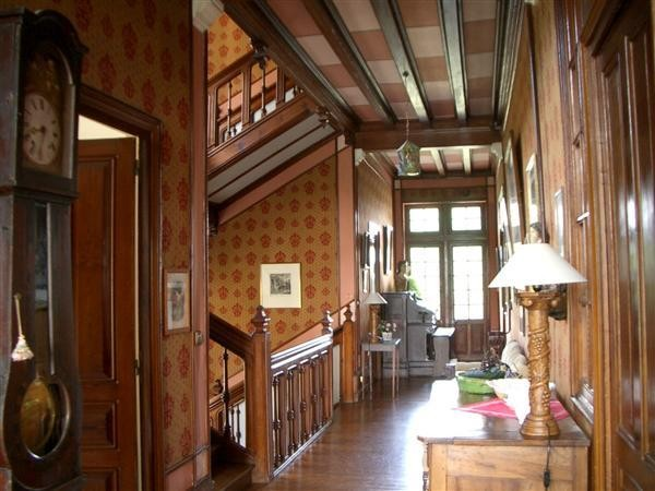 Old world gothic and victorian interior design - Tudor style house interior ...