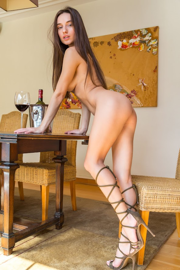[Met-Art] Gloria Sol - Heels & Wine