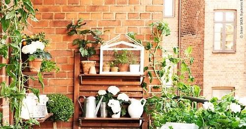 Interior Relooking: Come arredare un balcone stretto e lungo