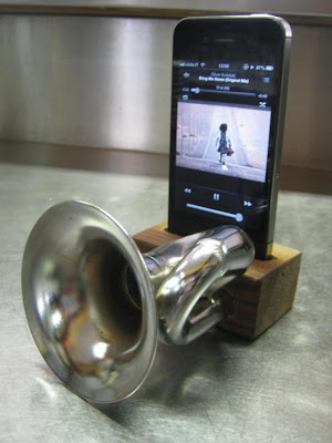Cool and Innovative iPhone Amplifiers (15) 13